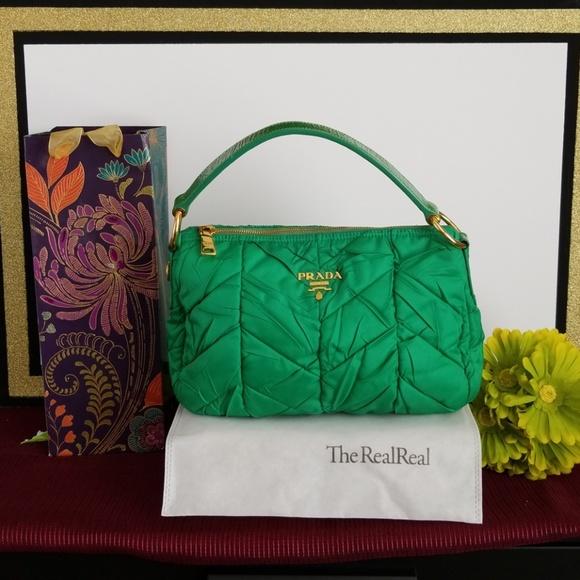 70c2ea357f Genuine Vintage Prada Bag. M 5bdb13065c445281db5c8510